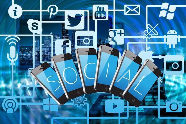 se faire connaitre sur les réseaux sociaux
